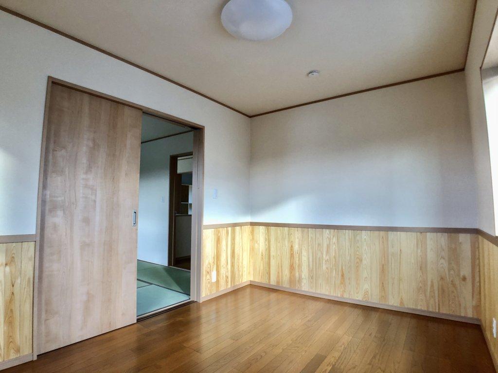 部屋全体から木の温もりを感じられる家